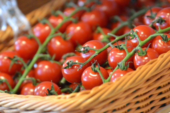 Fresh Vine Tomatoes