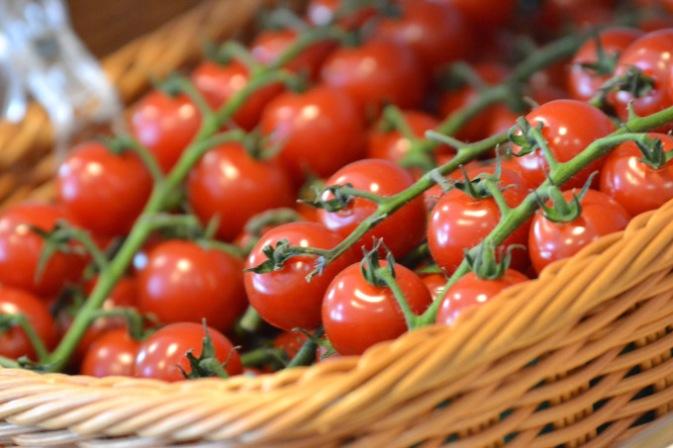 Fresh Vine Tomatoes